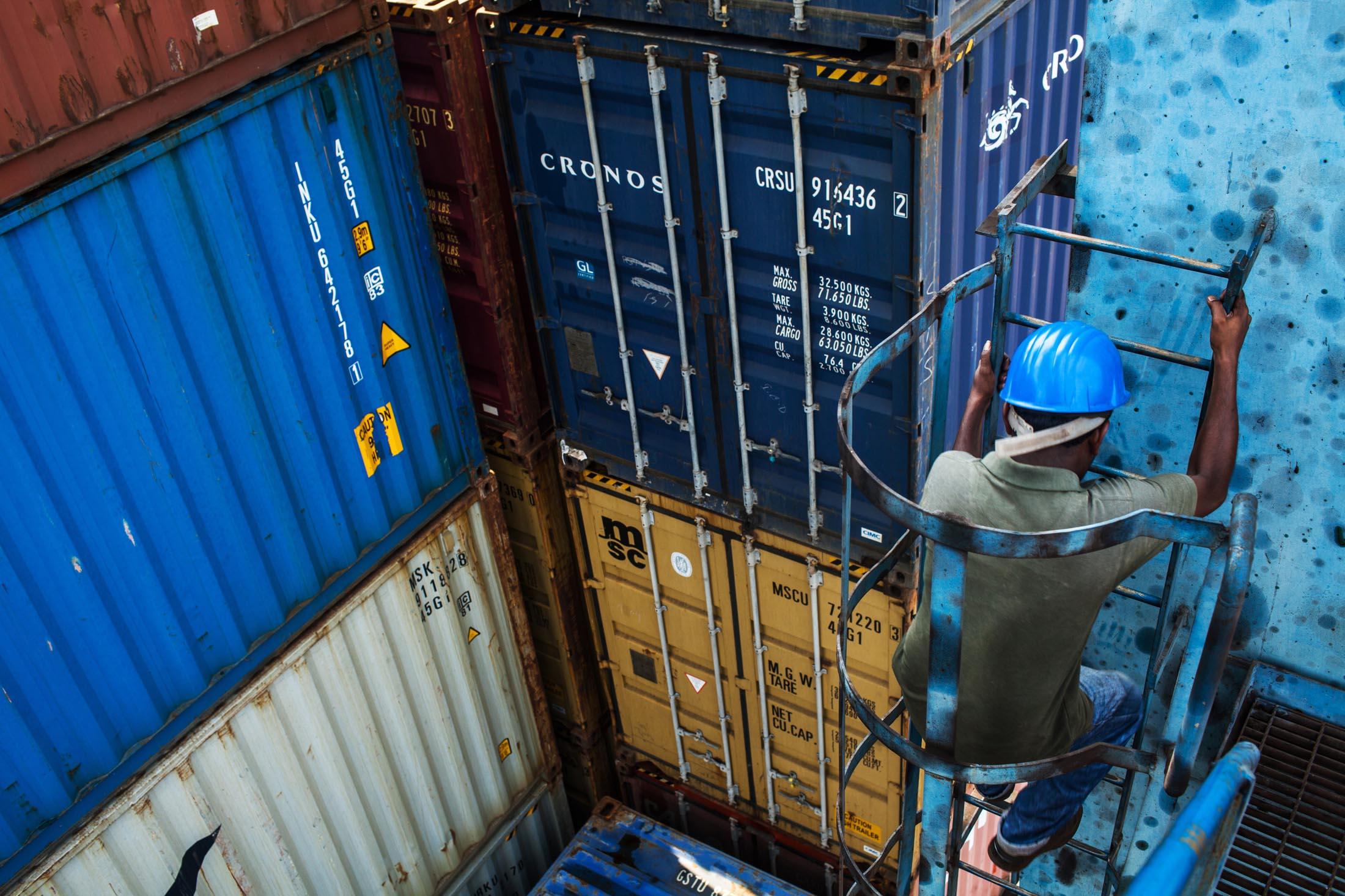 Ports & Shipping