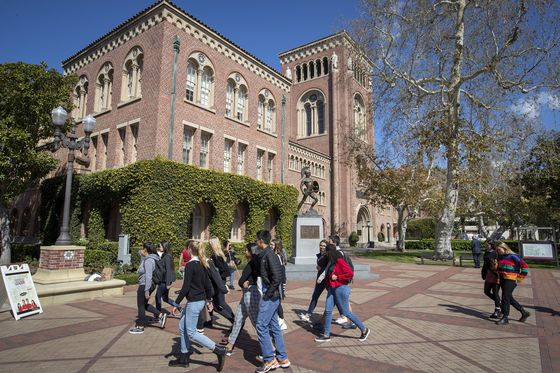 'University of Scandal': Admission Scam Is Latest to Tar Hot USC