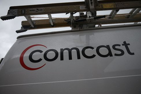 MIAMI, FL - APRIL 23:  A Comcast service van is shown on April 23, 2015 in Miami, Florida.  Published reports indicate that Comcast Corp. is pulling the plug on its proposed $45 billion merger with Time Warner Cable due to regulatory hurdles.  (Photo by Joe Raedle/Getty Images)