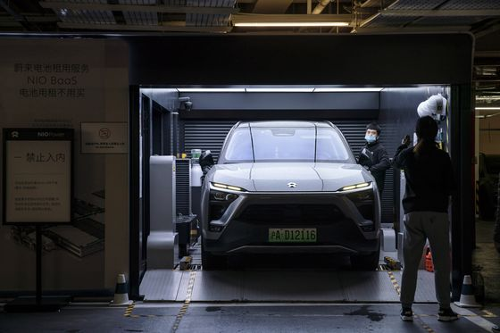 Nio Plans to Add 3,700 Battery Stations by 2025 in World's Largest Auto Market