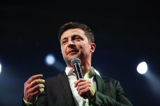 TV Comic Favorite to Supplant Ukrainian President in Runoff