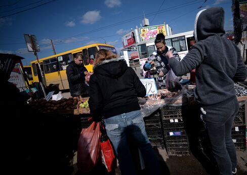Simferopol's main market in Crimrea.