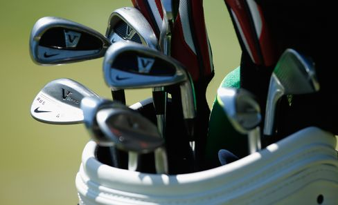 The PGA Tour Sets a Limit of 14 Clubs in the Bag