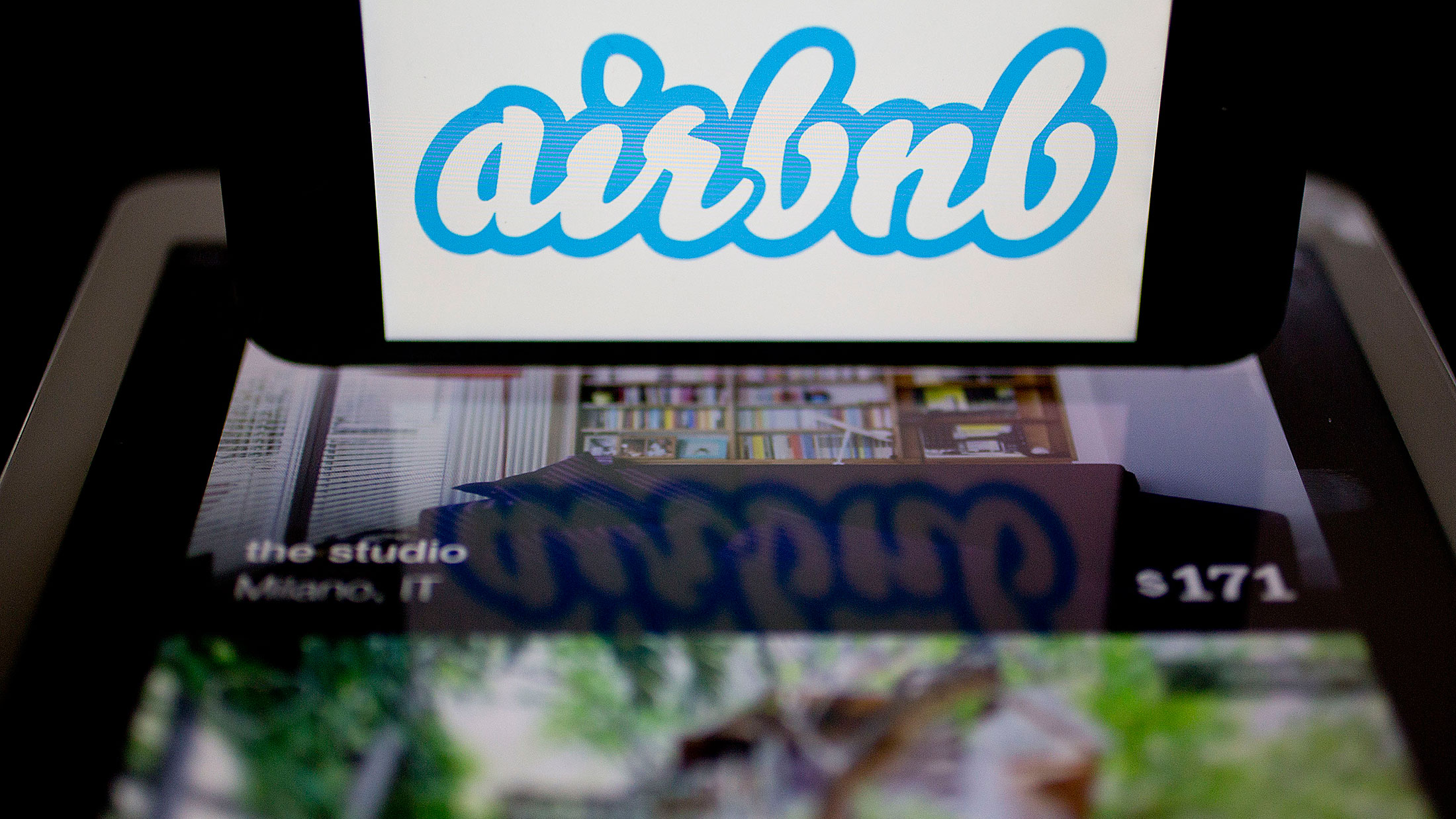 airbnb to drop new york city lawsuit over short term rentals