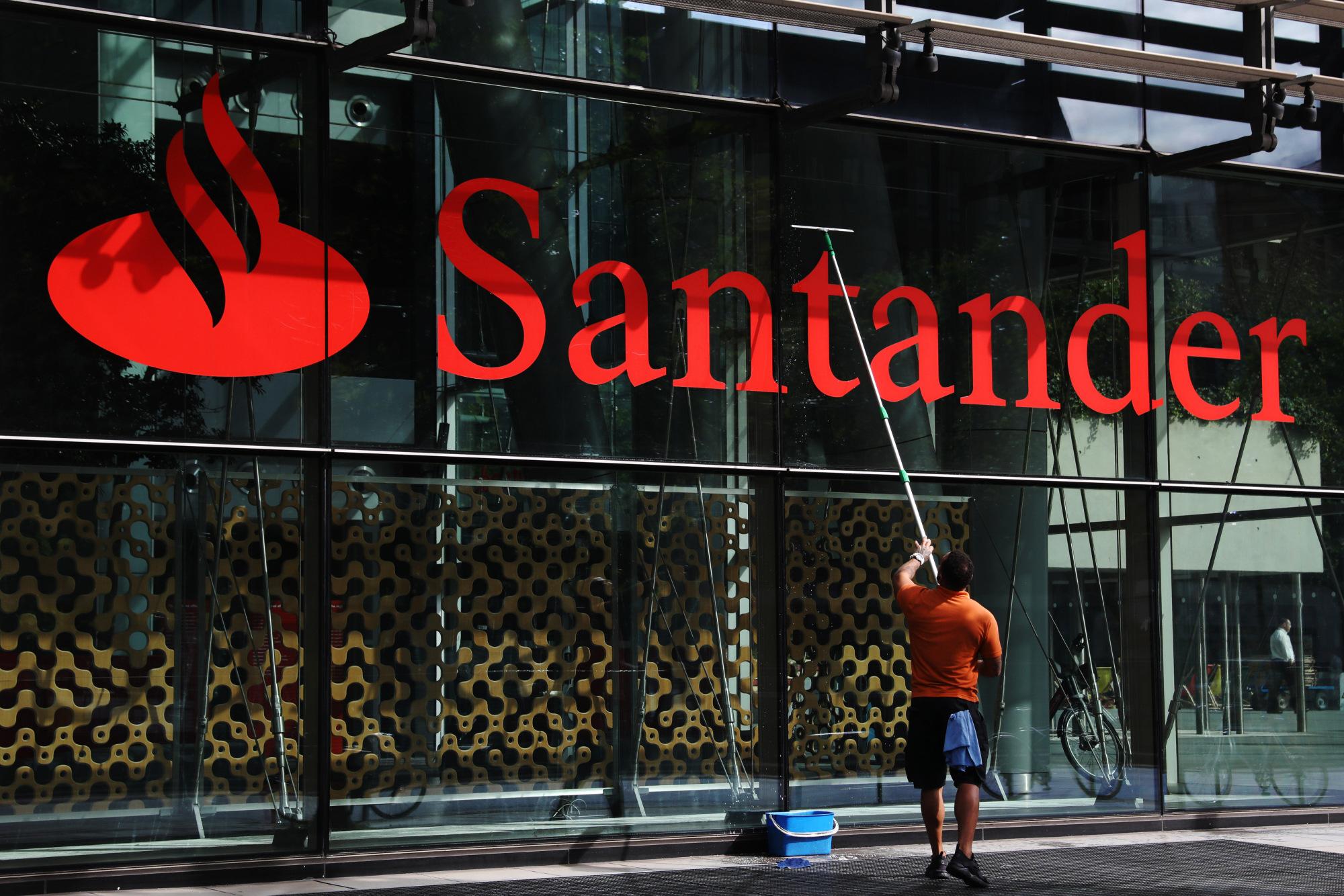 Financial Stock in the Spotlight: Banco Santander (Brasil) SA (BSBR)