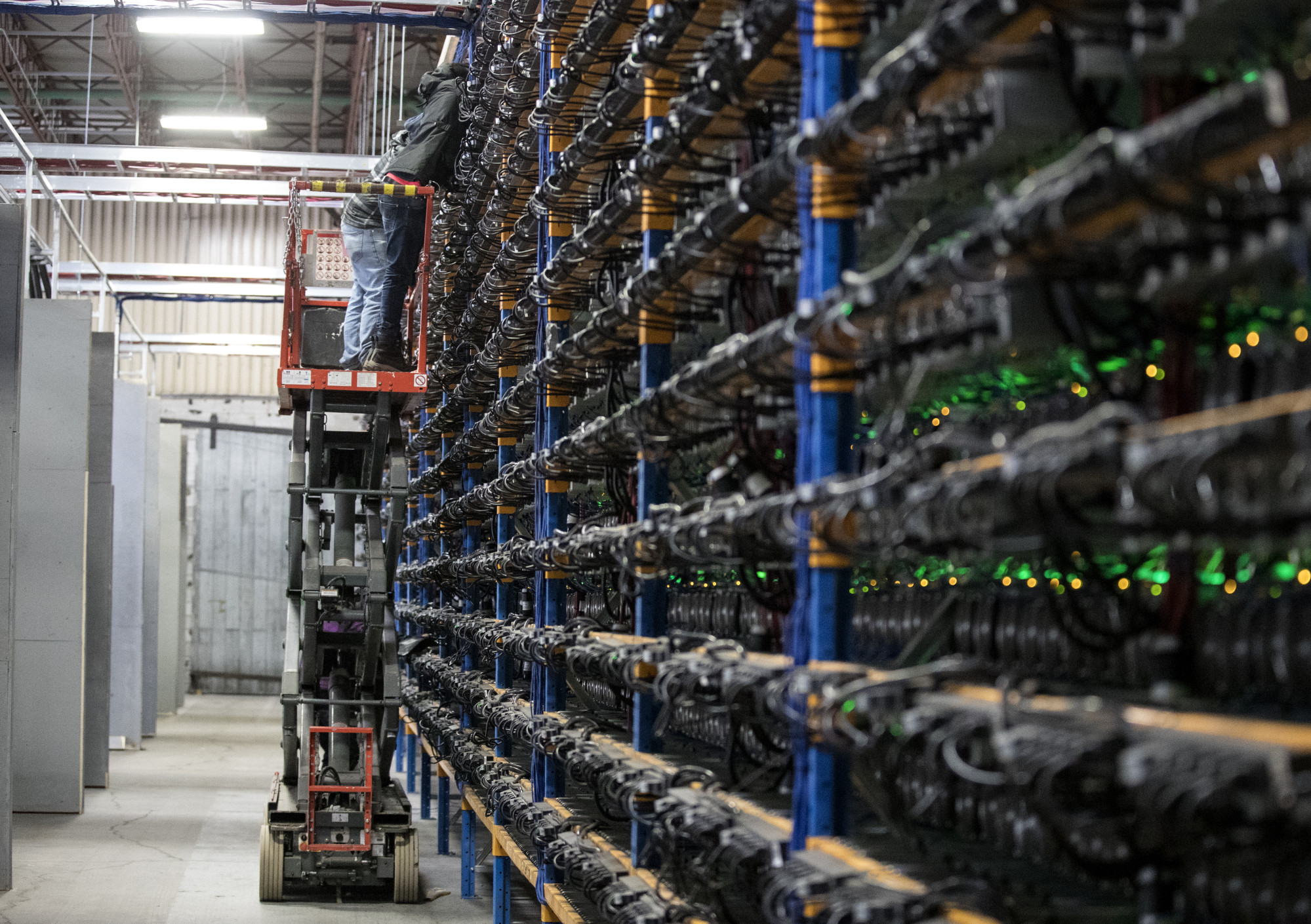Quebec Hikes Power Prices for Crypto Miners