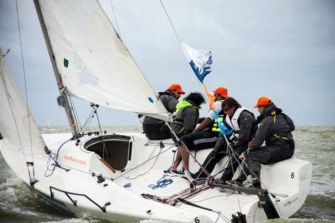 MBAs Compete for Bragging Rights in Sailing Competition