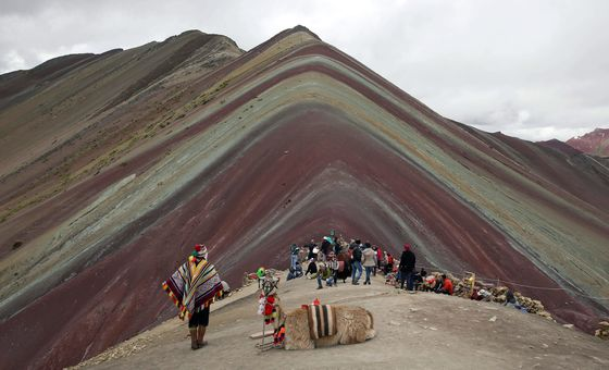 Peru Stops Miners From Exploring Rainbow Mountain Tourist Area