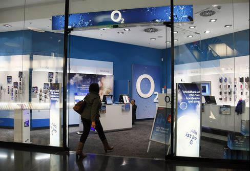 Germany Opens Airwave Review on Telefonica-KPN Wireless Merger