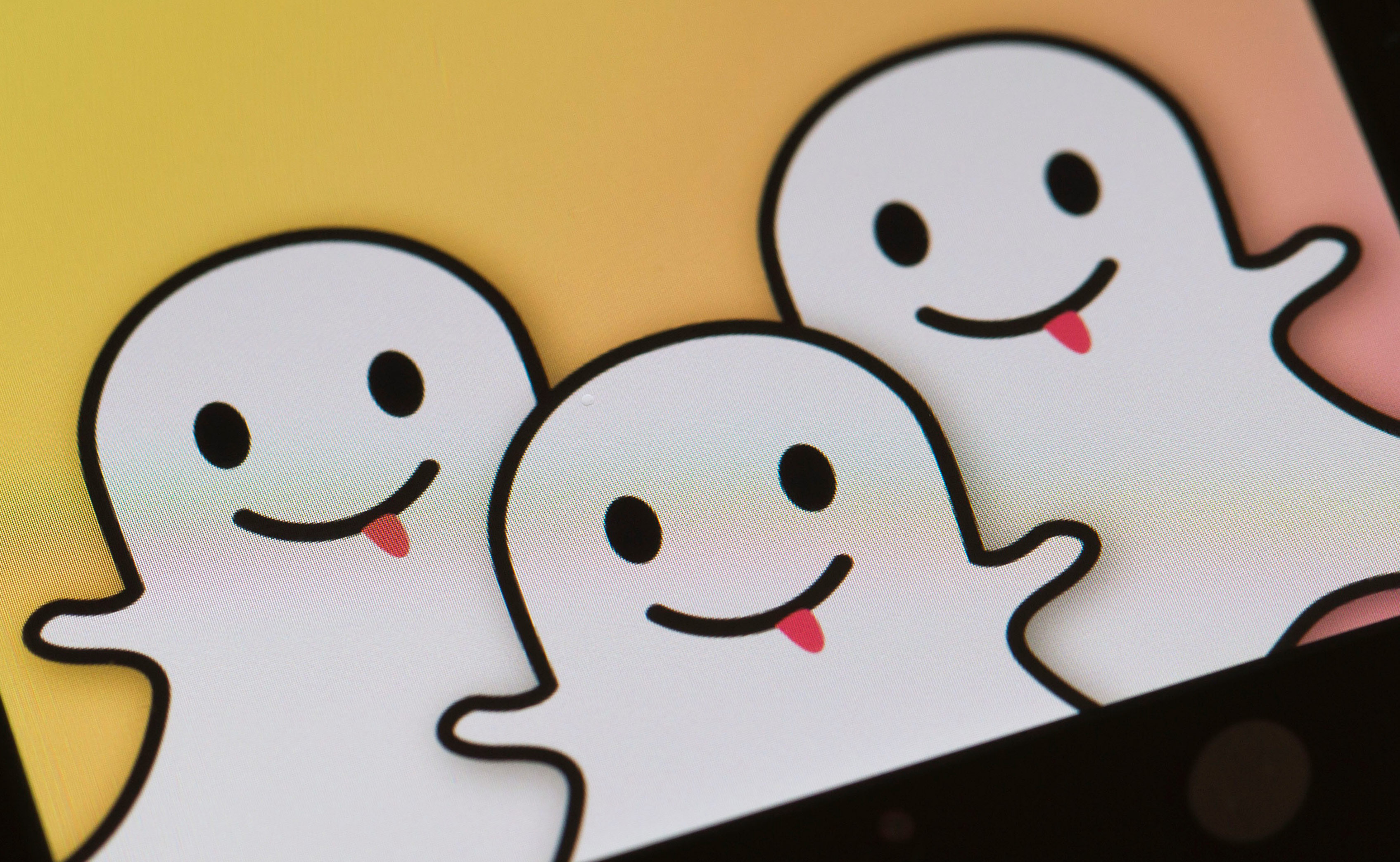 Snapchat Passes Twitter in Daily Usage