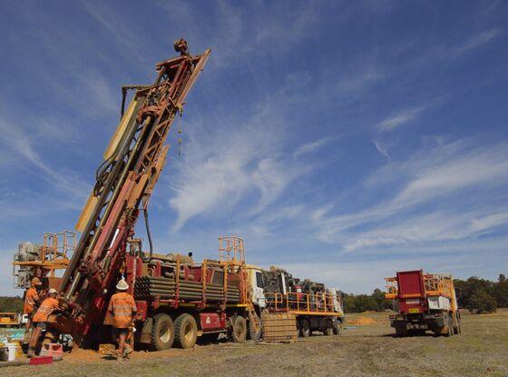 Miner Tops Index After Striking Palladium on City's Doorstep