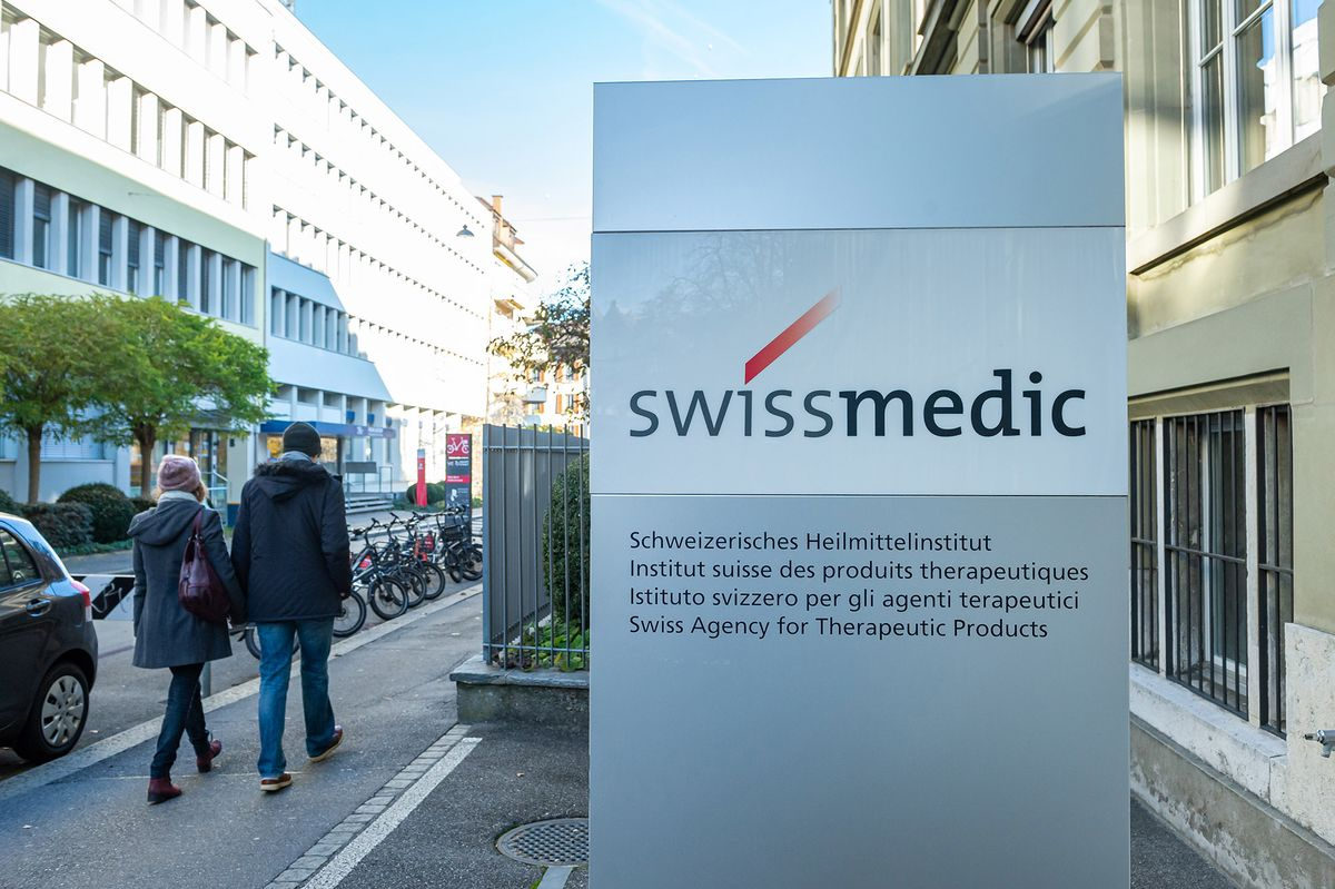 Switzerland Approves Pfizer Shot as First Covid-19 Vaccine - Bloomberg