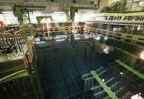 1473124816_japan nuclear reactor pool 1