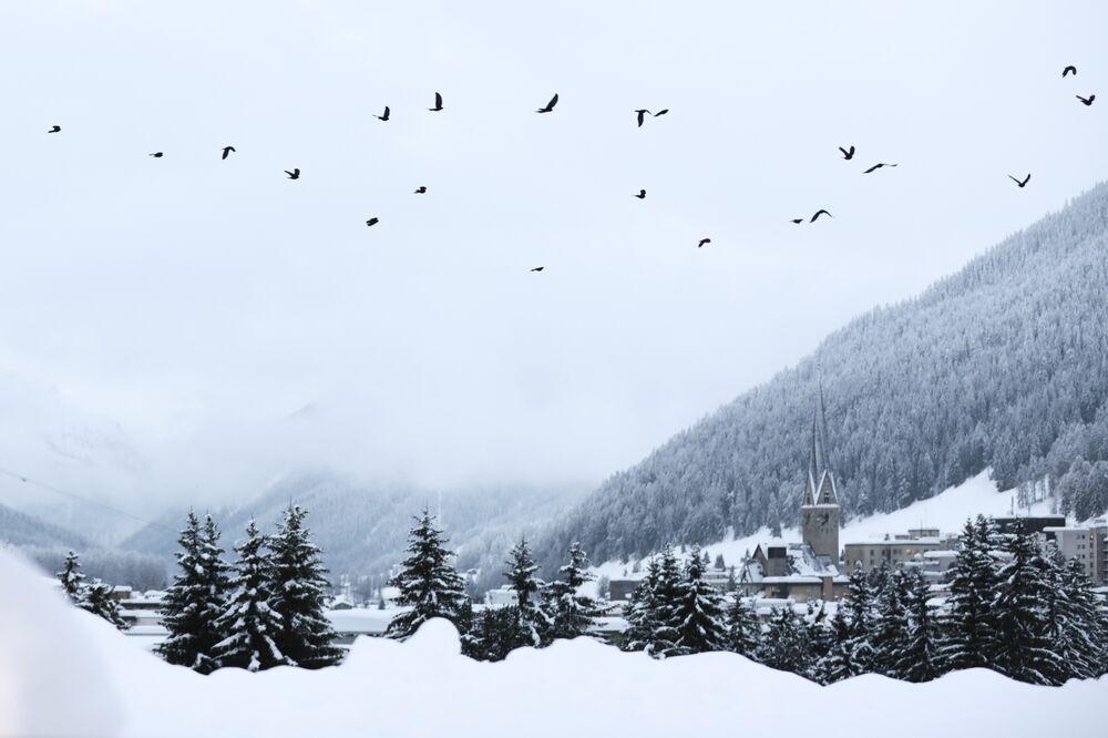 U.S. Davos Pullout Creates Rare Commodity -- Hotel Vacancies