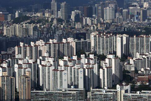 South Korea Tries to Curb Parents' Education Spending