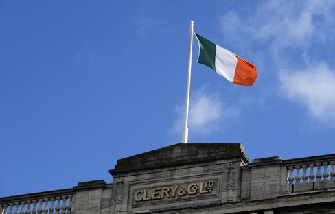 Ireland's Bond Yields Drop to Lowest Since 2005 After Bank Deal