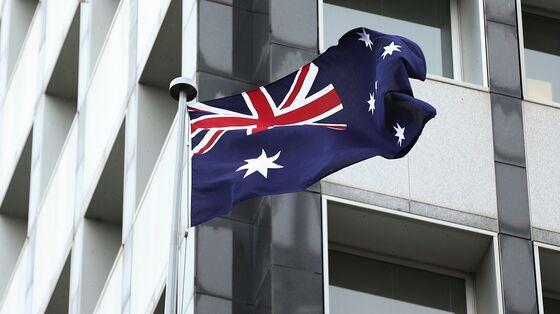 Australia Bolsters Spending in Drive for Maximum Employment