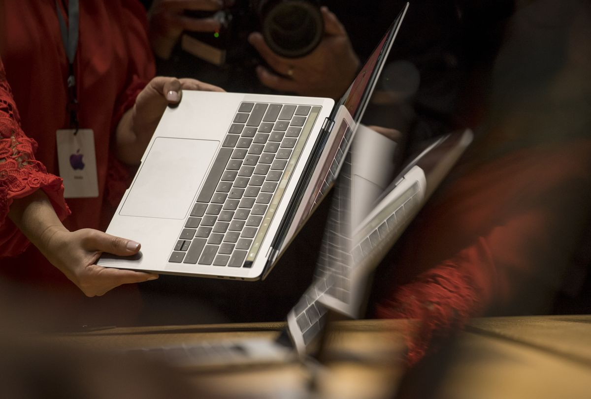 Apple Warns Customers to Stop Using Some MacBook Pro Laptops