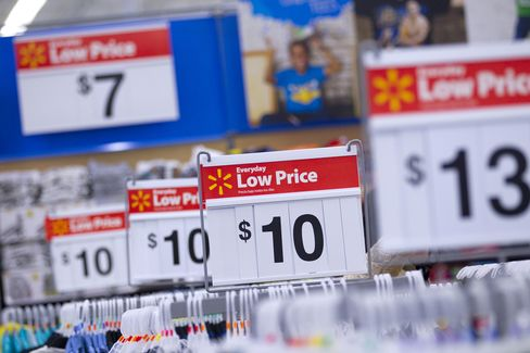 Wal-Mart Visits Drop 2.6% as Added Products Fail to Draw Buy