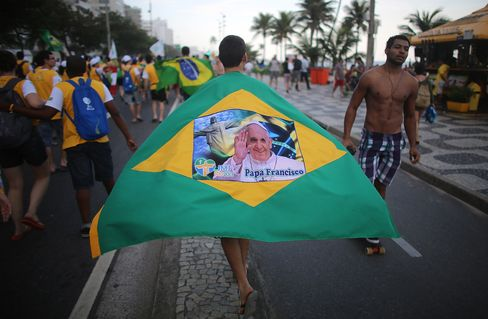Pope Francis Looks to Rio Trip to Draw Region's Youth to Pews
