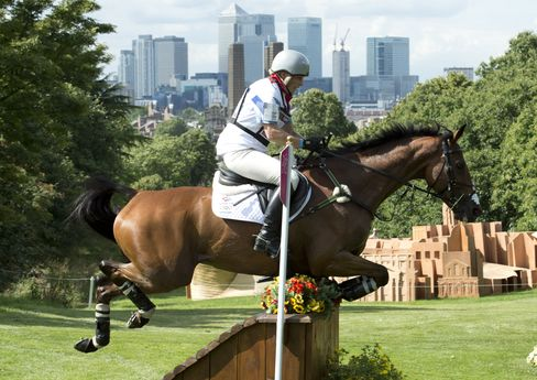 Zara Phillips Rides High Kingdom