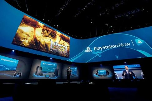 How Sony Plans to Stretch Playstation 4 Beyond Hardcore Gamers