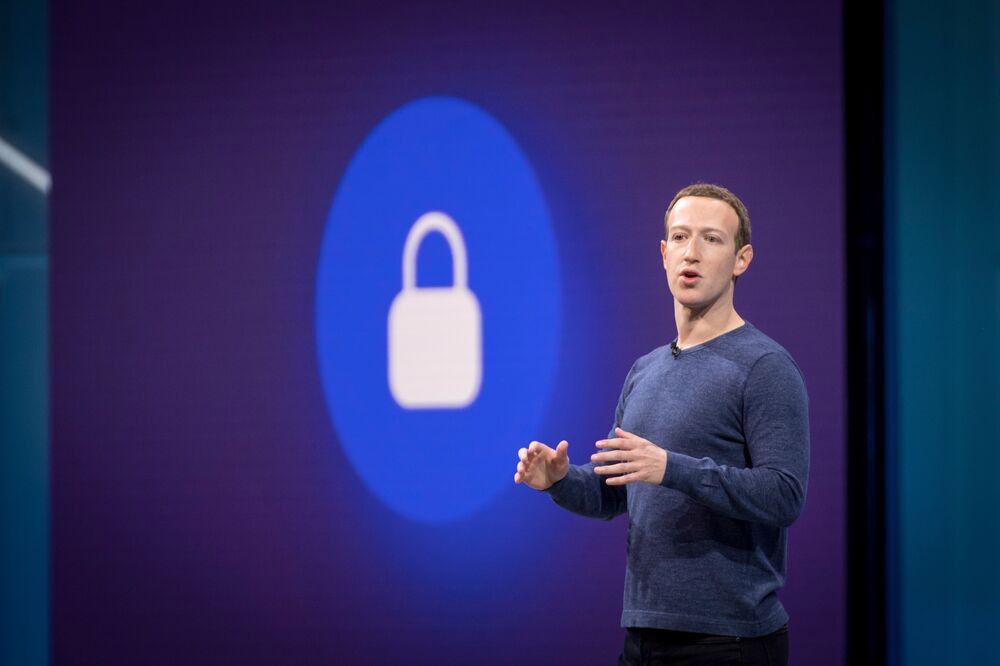 Facebook Board Defends How Zuckerberg, Sandberg Handled Crisis