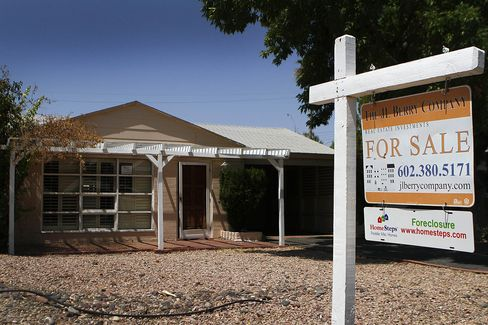 U.S. Foreclosures Rise for First Time in Year