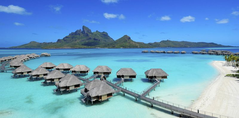 Mexico Overwater Bungalows Bloomberg Four Seasons 01