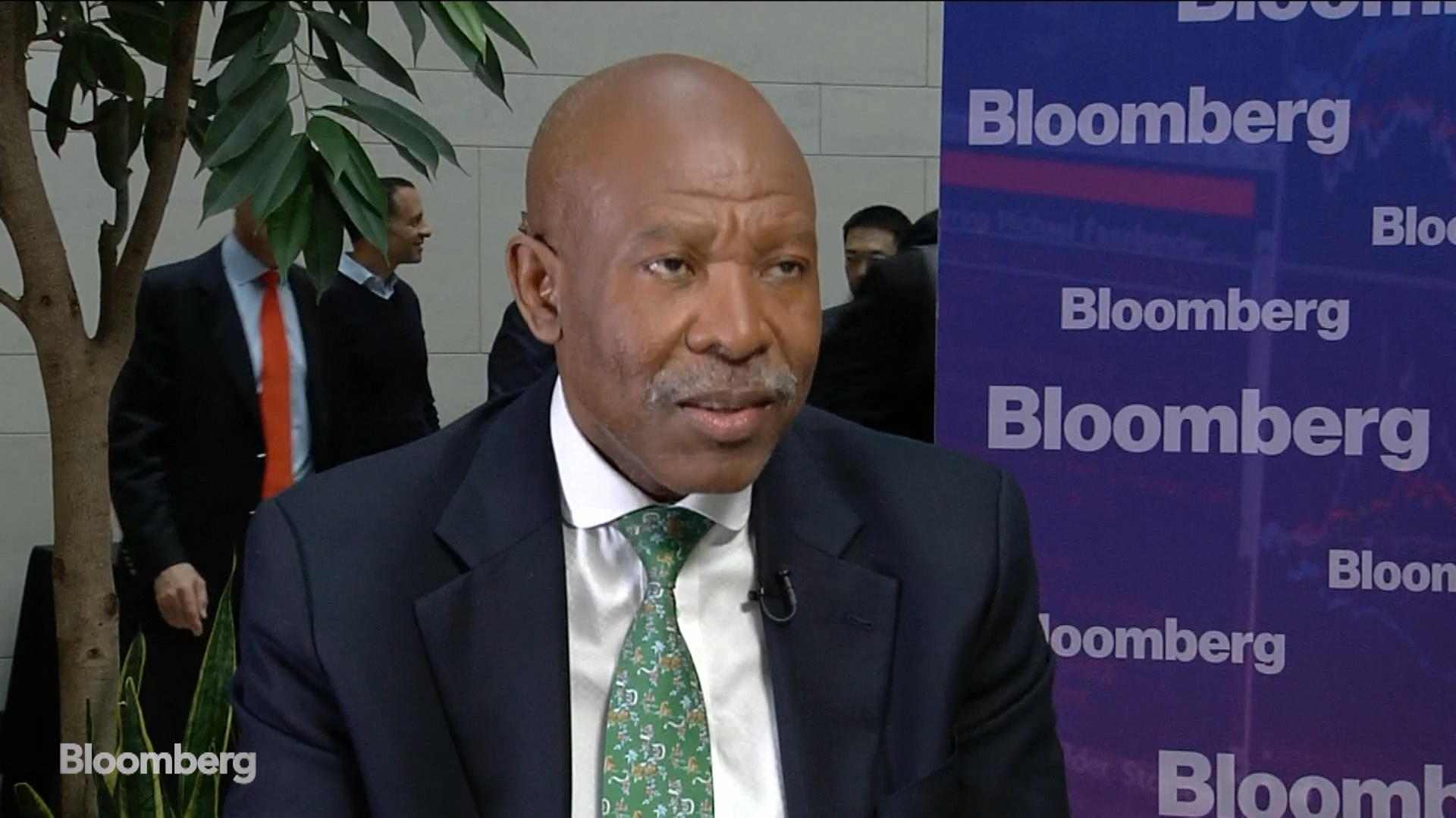 Kganyago Says South Africa May Avoid Moody's Cut With Reforms