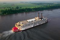 relates to Small Cruises Are Thriving, Not Just Surviving, on the Mississippi