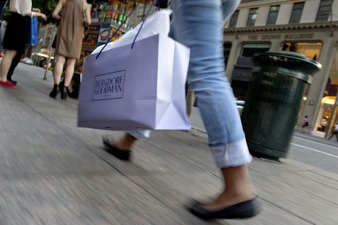 Consumer Comfort in U.S. Recedes From 10-Week High