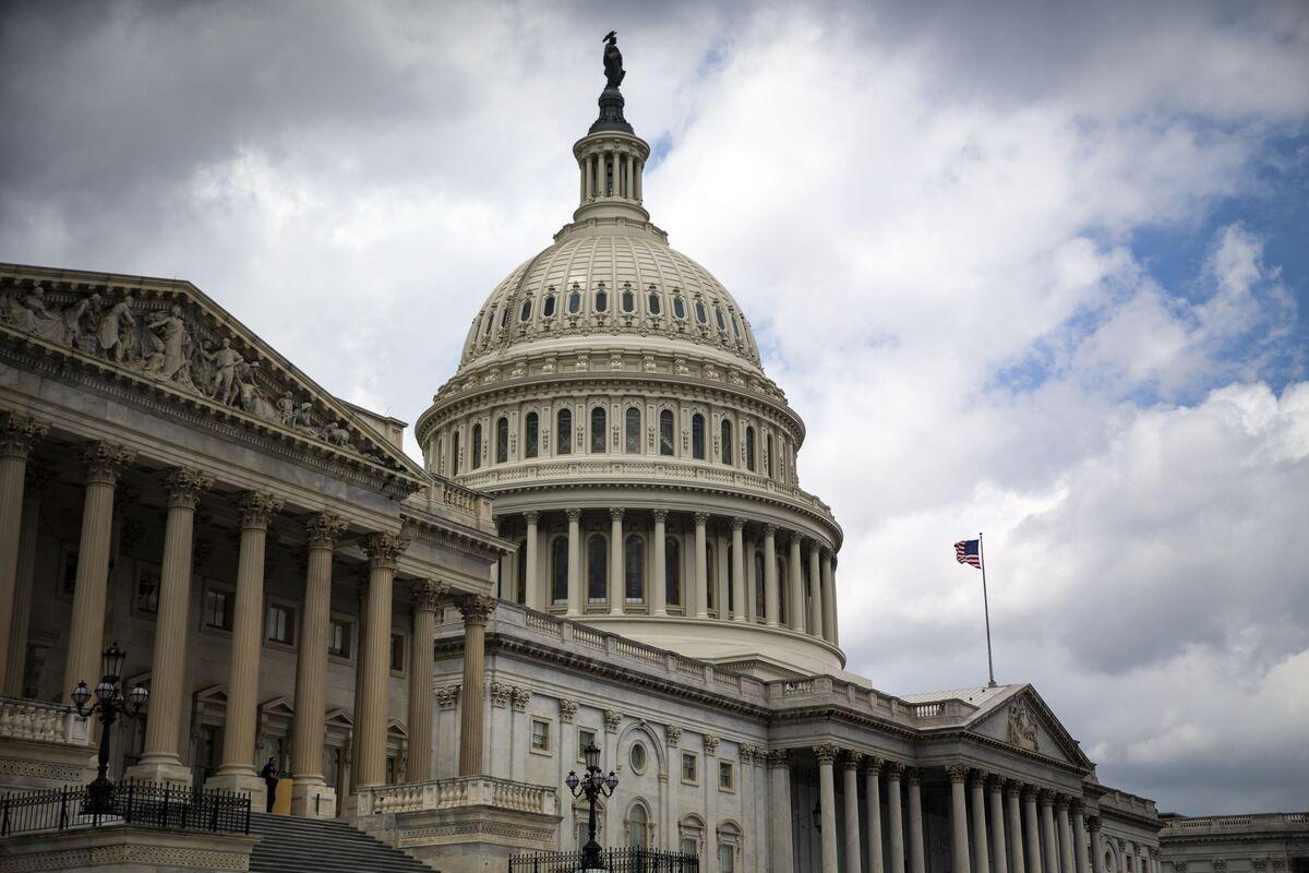 Senators Seek Path to Ban Federal Retiree Investments in China