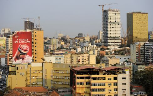 Angola's New Middle Class Clamors for Housing 11 Years After War