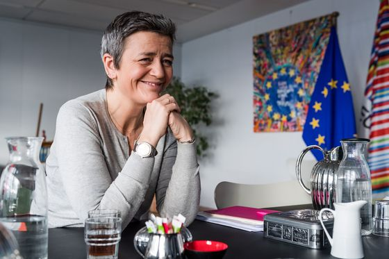 Uber Drivers, Pizza Delivery Workers Get Lift From EU's Vestager