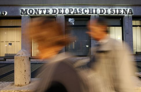 Invisible Bank Run Becomes Conversation With 7% Italy Yield