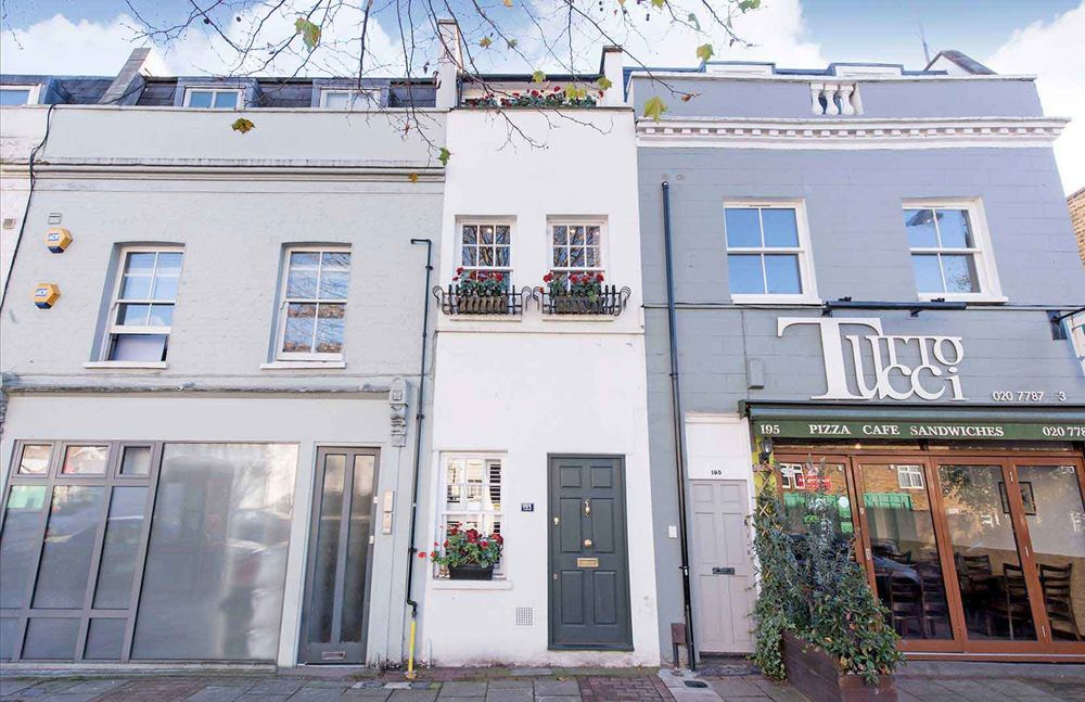 London's Famous Seven-Foot-Wide 'Gap House' Is Now for Sale