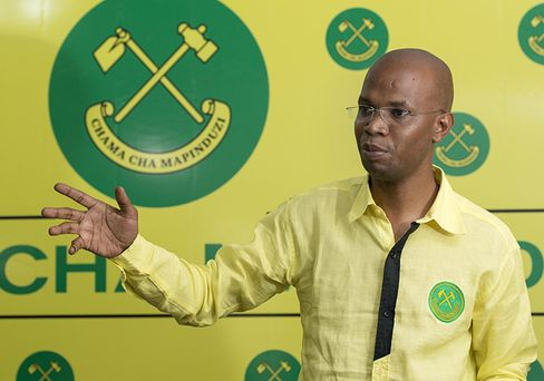 Tanzania's ruling Chama Cha Mapinduzi (CCM) campaign spokesperson January Makamba holds a press conference in Dar es Salaam on October 26.