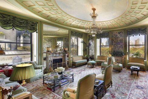 Interior of 834 Fifth Avenue duplex.