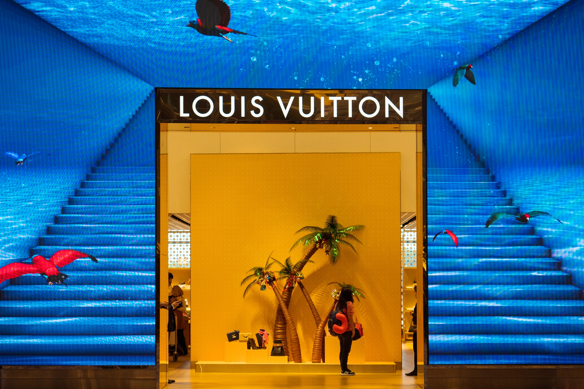 93859fc293b How Much Is Bernard Arnault Worth? LVMH Sales Beat - Bloomberg