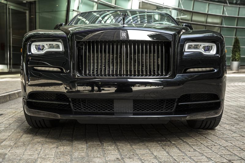 Why Rare Editions Like RollsRoyces Black Badge Are Good