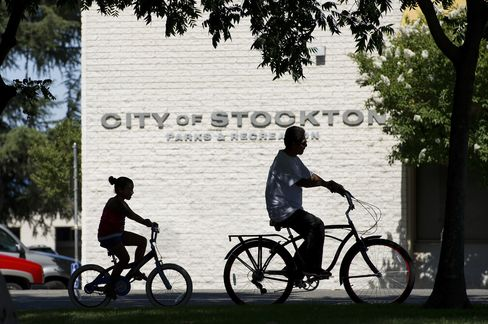 Cheapest Revenue Debt Draws Buyers Fleeing Stockton