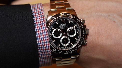 This is an alternate version of the new Daytona with a black dial.
