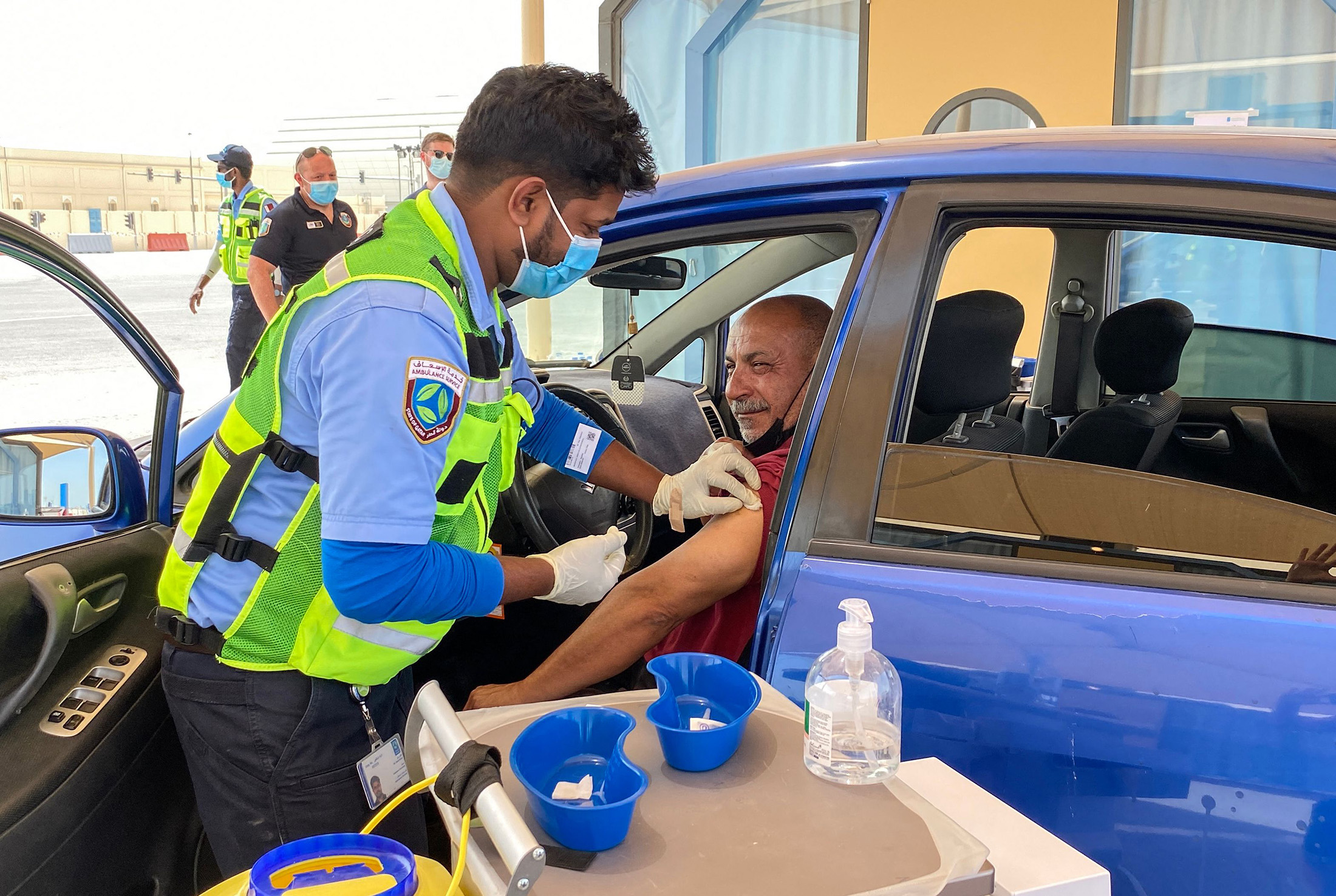https www bloomberg com news articles 2021 04 17 qatar seeks covid 19 vaccinations for all world cup visitors