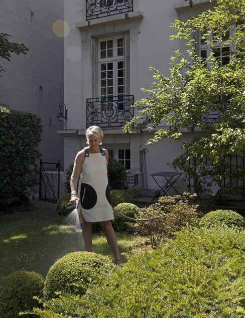 Zeller in her Jacques Wirtz-inspired garden.
