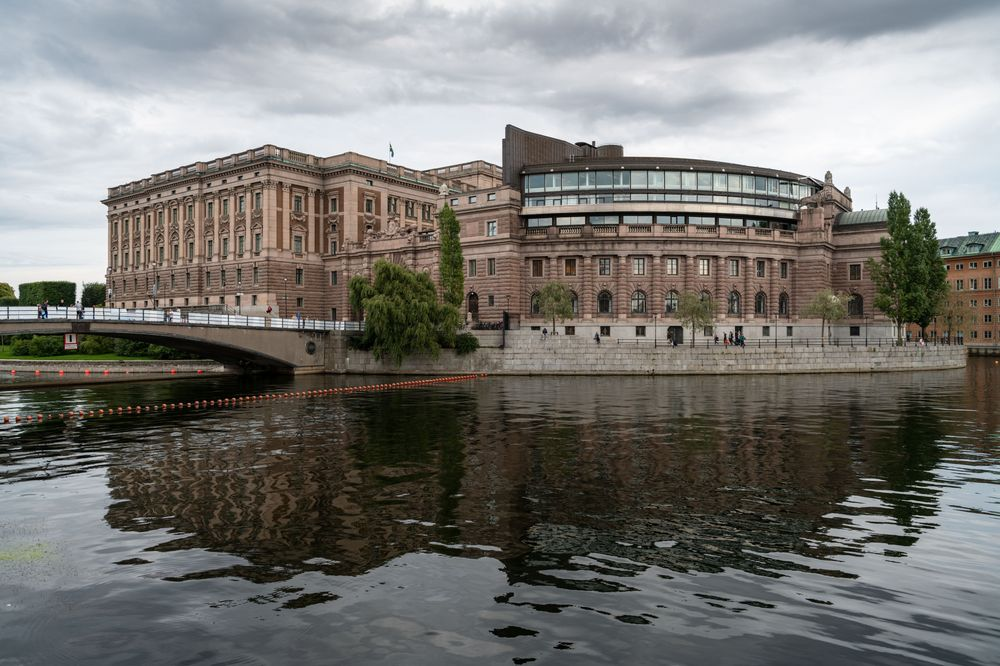 Swedish Lawmakers Call on Government to Review Money Laundering