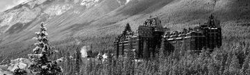 nightmarish-hotels-bloomberg-lede