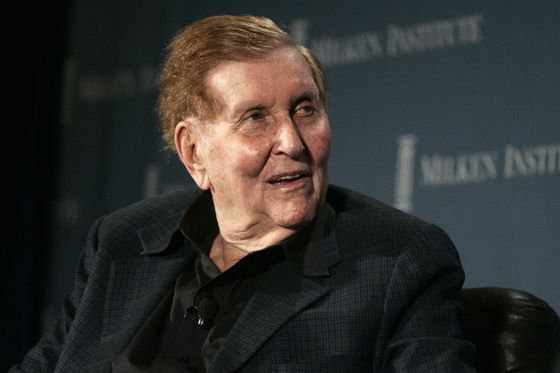 CBS Directors Agree to Pay $1.25 Million to Settle Sumner Redstone Suit