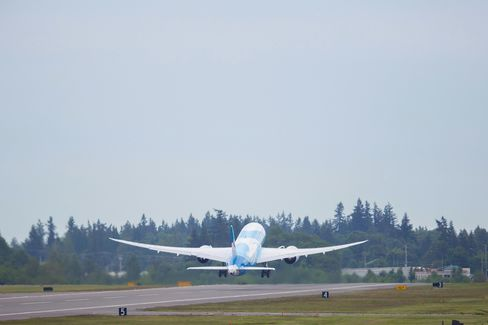 China Southern Gets First Dreamliner After Failed A380 Strategy