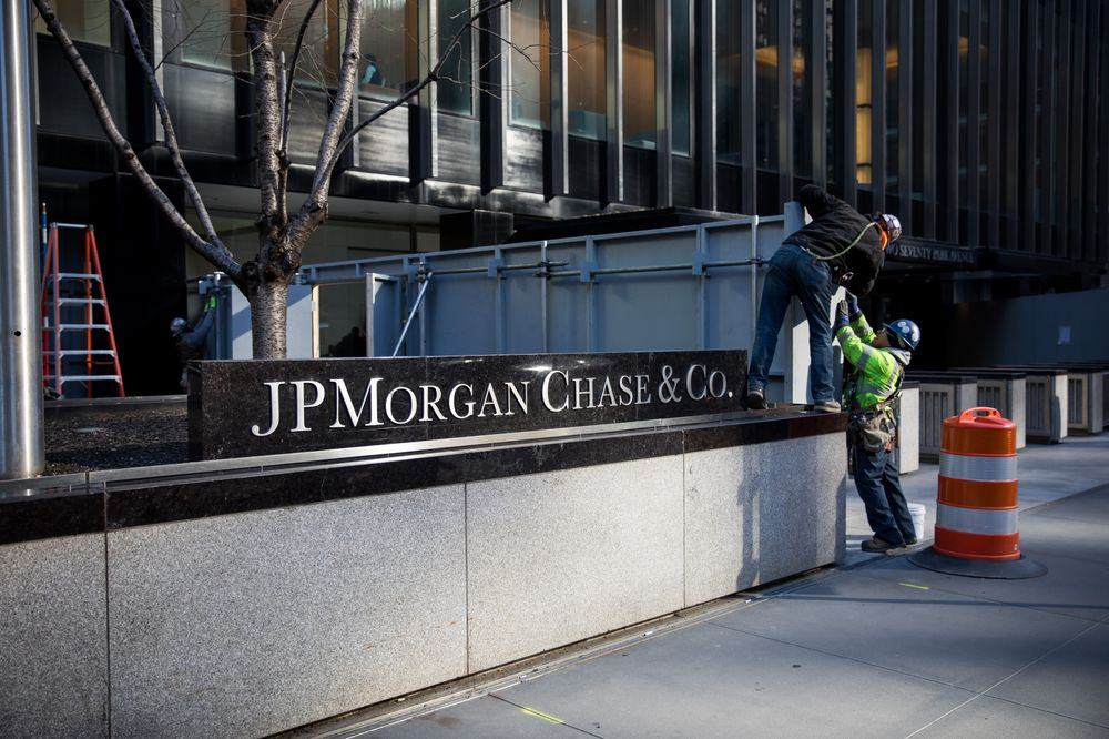 Investors Suing JPMorgan May Redefine the Leveraged Loan